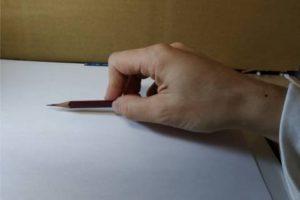 鉛筆画のリアルな絵の描き方-鉛筆の持ち方3