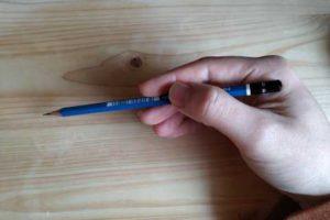イラストの描き方-鉛筆の持ち方1